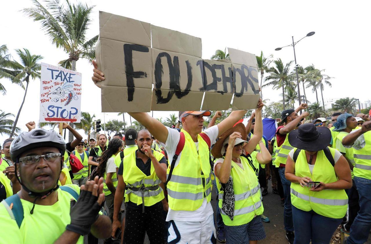 Le Mouvement Des Gilets Jaunes à La Réunion