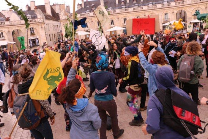 Dijon : Depuis le quartier libre des lentillères